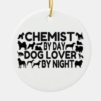Químico del amante del perro del día por noche adorno redondo de cerámica