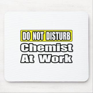 Químico en el trabajo tapete de raton
