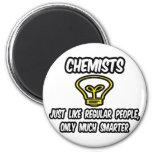 Químicos… como la gente regular, solamente más ele imán