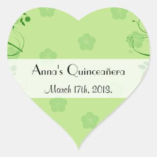 Quinceanera - flores, hojas, remolinos - verde pegatina en forma de corazón