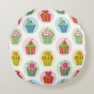 "Quirky Cupcakes Cotton Round Throw Pillow (16"")"