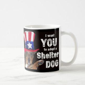 Quisiera que USTED adoptara un perro del refugio Taza Básica Blanca