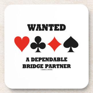 Quiso a un socio confiable del puente (los juegos posavasos de bebida