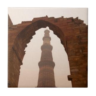 Qutub Minar en Delhi Azulejo Cuadrado Pequeño