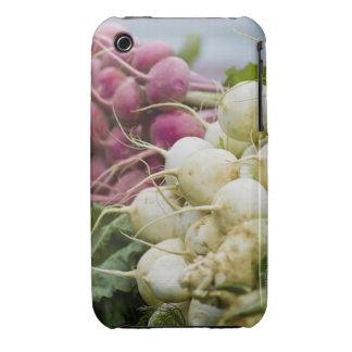 Rábanos en la exhibición en el mercado del granjer iPhone 3 Case-Mate cobertura