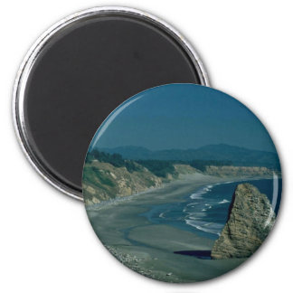 Race To The Beach Mountain Magnets