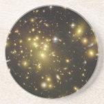 Racimo Abell 1689 de la galaxia en virgo de la con Posavasos Diseño