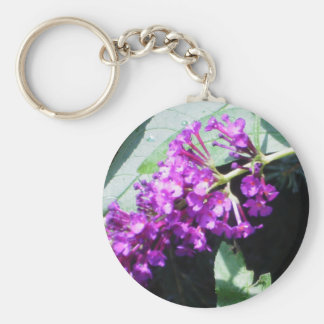 Racimo de flores púrpuras llavero redondo tipo pin