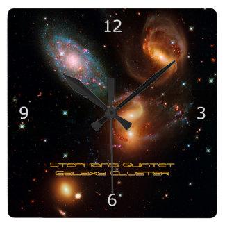 Racimo de la galaxia de la estrella del espacio pr relojes