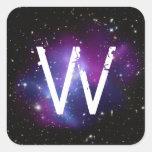 Racimo púrpura con monograma de la galaxia calcomania cuadradas personalizada