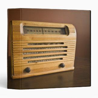 """Radio antigua carpeta 1 1/2"""""""