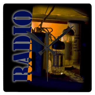 radio reloj de pared