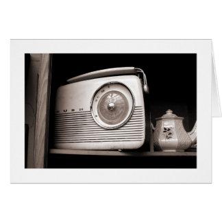 Radio y tetera tarjeta de felicitación