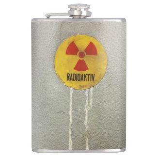 radioactively contaminates flask