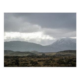 Ráfaga de nieve en las montañas, Escocia - postal
