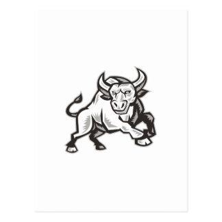 Raging Bull que ataca el grabar en madera de carga Postal