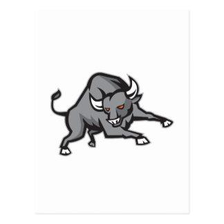 Raging Bull que ataca la carga retra Tarjeta Postal