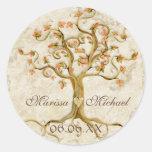 Raíces del árbol del remolino Antiqued casando los Etiquetas Redondas