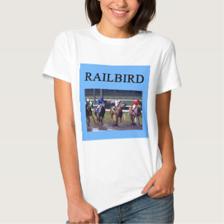 Railbird de la carrera de caballos polera