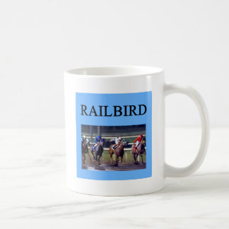 Railbird de la carrera de caballos taza básica blanca