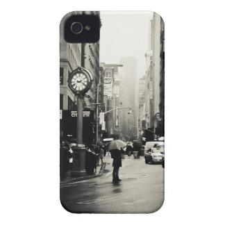 Rain in New York City - Vintage Style Case-Mate iPhone 4 Case