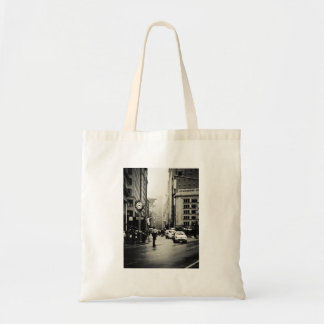 Rain in New York City - Vintage Style Tote Bag