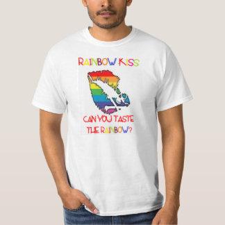 rainbow kiss T-Shirt