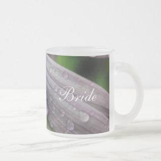 Raindrop Lilac Daisy Frosted Glass Coffee Mug