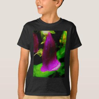 Rainy foxglove T-Shirt