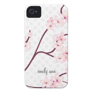 Rama de las flores de cerezo en lunares iPhone 4 carcasa