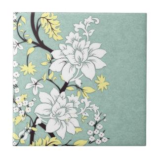 Rama floral blanca, verde salvia azulejo cuadrado pequeño