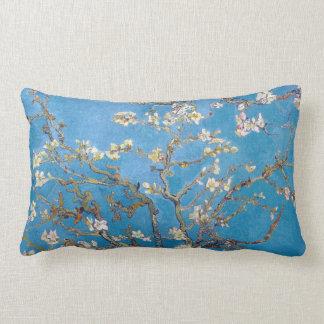 Ramas con el flor Van Gogh de la almendra Cojín