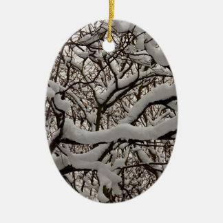 Ramas de árbol nevadas ornamento para reyes magos