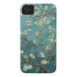 Ramas de la almendra de Van Gogh en la floración iPhone 4 Fundas