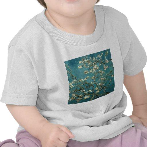 Ramas de la almendra de Van Gogh en la floración Camiseta