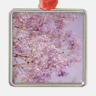 Ramas florales en colores pastel suaves adorno