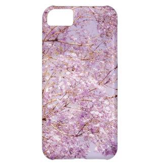 Ramas florales en colores pastel suaves funda para iPhone 5C