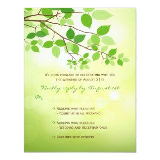 Ramas frondosas que acampan casando la tarjeta de invitación 10,8 x 13,9 cm