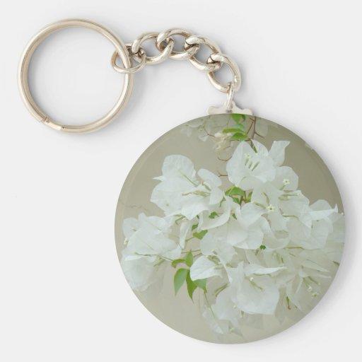Ramifique con las flores blancas llaveros