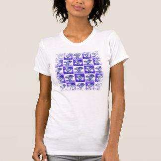 Ramo azul de la flor en mosaico del arte pop del camiseta