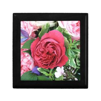 Ramo color de rosa caja de regalo