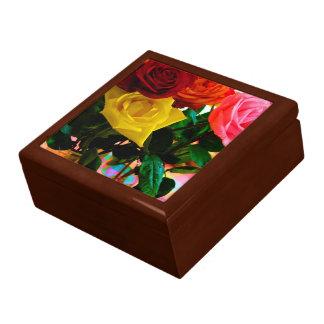 ramo color de rosa de las flores cajas de recuerdo