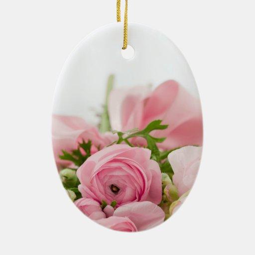Ramo color de rosa hermoso adorno navideño ovalado de cerámica