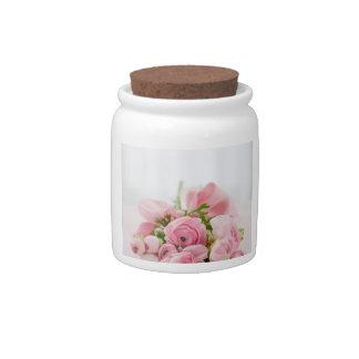 Ramo color de rosa hermoso plato para caramelo