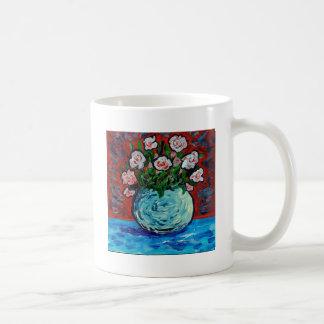 Ramo de arte del impresionista de las flores taza clásica