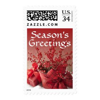 Ramo de bayas rojas adornadas para el navidad sello postal