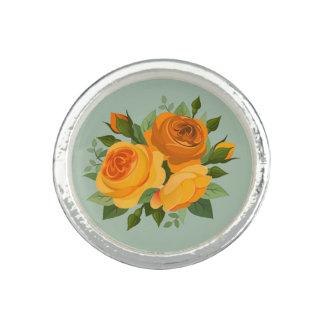 Ramo de flores amarillas de oro de los rosas el