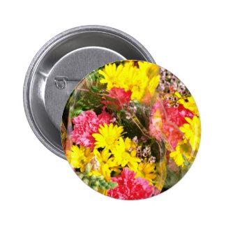 Ramo de flores en flores del rojo de la bolsa de p pin redondo 5 cm