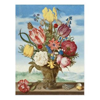 Ramo de flores en una repisa postales