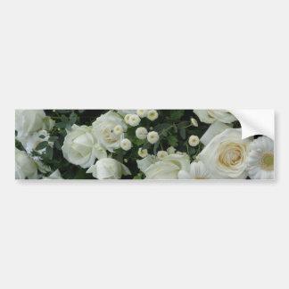 Ramo de las flores blancas pegatina de parachoque